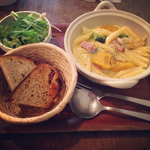 パスタと天然酵母パンのセット【Cafe Muni】